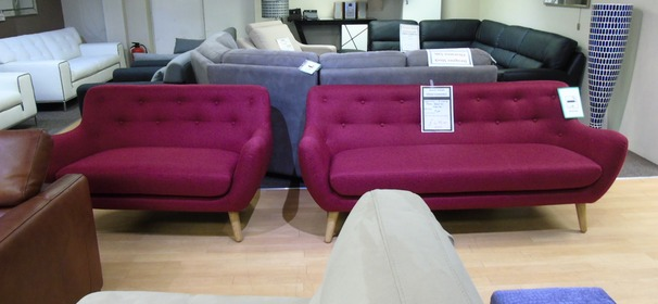 Scan 752 3 seater and 2 seater red £499 (SUPERSTORE)