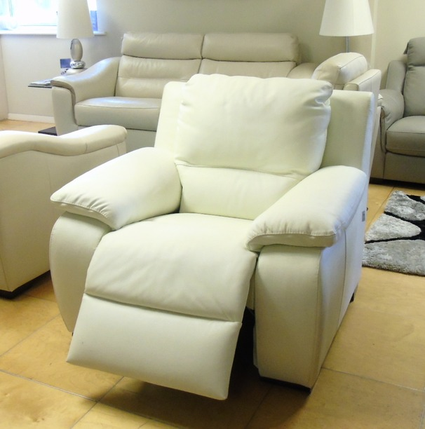 ORLANDO electric recliner chair  white £499 (SUPERSTORE)