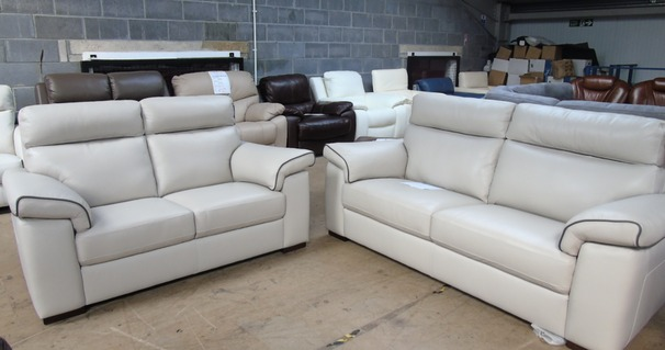 Sacramento 3 seater and 2 seater cream £2199 (SUPERSTORE)