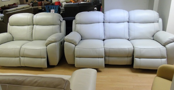 Barcelona electric recliner 3 seater and 2 seater cream hide  £2299 (SWANSEA SUPERSTORE)