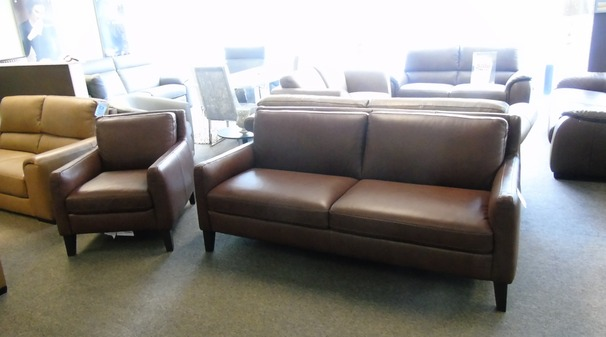 Natuzzi editions 3 seater and 2 chairs brown £1999 (SUPERSTORE)
