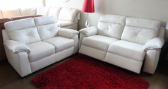 Siena 3 seater electric recliner and 2 seater cream £2199 (CARDIFF SUPERSTORE) - Click for more details