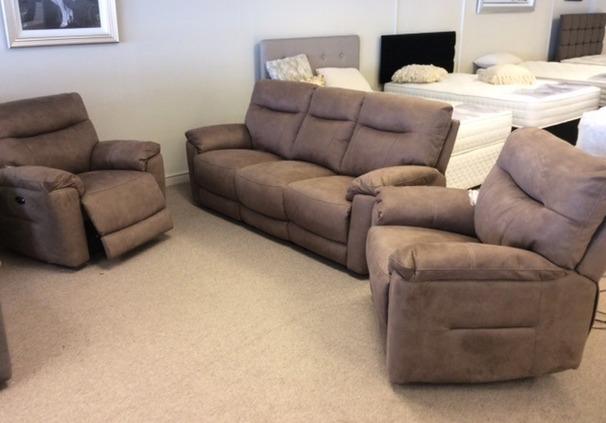 Biscay 3electric recliner 3 seater and 2 electric recliner chairs tobacco £1899 (CARDIFF SUPERSTORE)