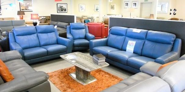 Newbury 3 seater, 2 seater and electric recliner chair blue £2599 (CARDIFF SUPERSTORE)