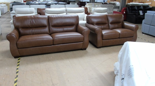 Mira 3 seater and 2 seater vintage tan £1599 (SWANSEA SUPERSTOREa