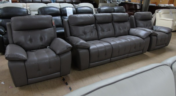 TOLEDO electric recliner 3 seater and 2 electric recliner chairs £2599 taupe (SWANSEA SUPERSTORE)