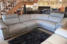Lipari 4 seater double electric recliner corner suite grey £2499 (CARDIFF SUPERSTORE) - Click for more details