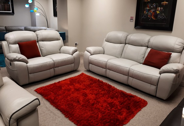 Barcelona electric recliner 3 seater and 2 seater stone cream hide  £2299 (CARDIFF SUPERSTORE)