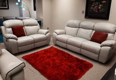 Barcelona electric recliner 3 seater and 2 seater stone cream hide  £2299 (CARDIFF SUPERSTORE) - Click for more details