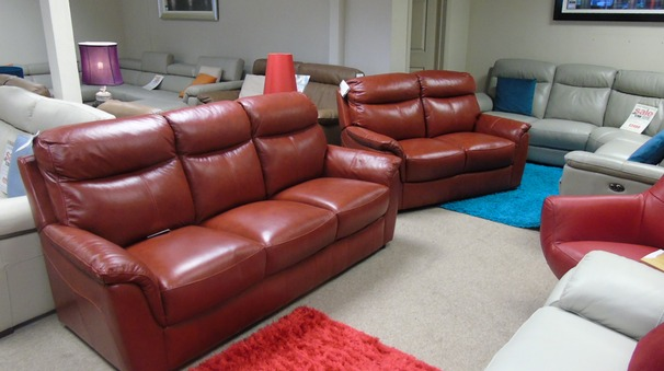 Brussels 3 Seater + 2 Seater in Miami Buffalo Red £1899 (CARDIFF SUPERSTORE)