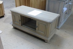 Light oak TV cabinet  £199 (SWANSEA SUPERSTORE) - Click for more details