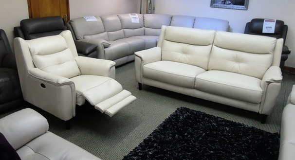 Winchester 3 seater and 2 electric recliner chair biscuit hide £1499 (SWANSEA LEATHER STORE)