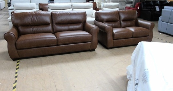 Mira 3 seater and 2 seater vintage tan £1399 (SWANSEA SUPERSTORE)