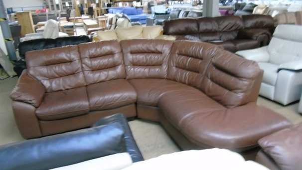 Light Brown corner suite £149