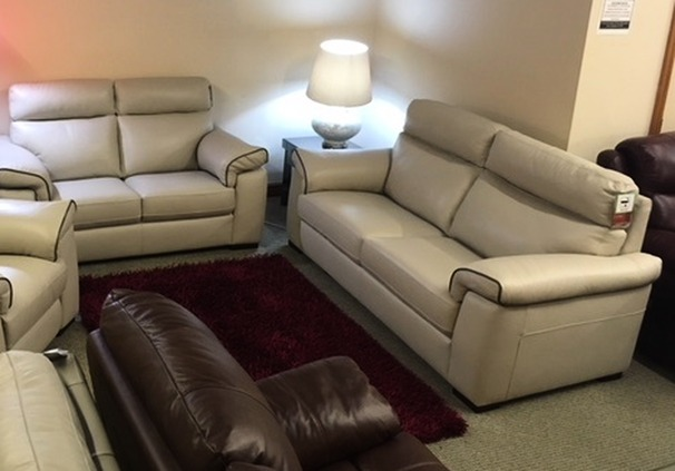 Sacramento 3 seater and 2 seater stone cream  £1999 (SWANSEA SUPERSTORE)