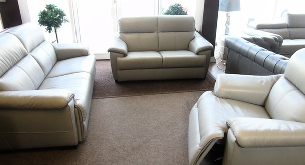Genoa 3 seater, 2 seater and triple electric recliner chair grey £2999 (SWANSEA SUPERSTORE)