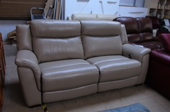 Salvador electric recliner 3 seater beige £399 (SWANSEA SUPERSTORE) - Click for more details