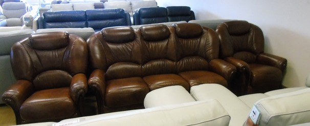 GARDA 3 seaterand 2 chairs  antique brown £1499 (NEWPORT STORE)