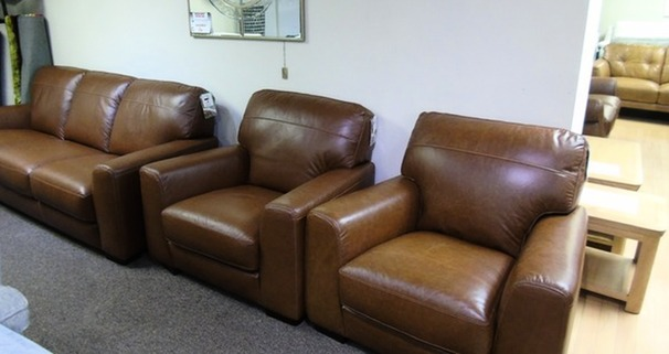 PORTO 3 seater and 2 chairs vintage tan £999 (SUPERSTORE)