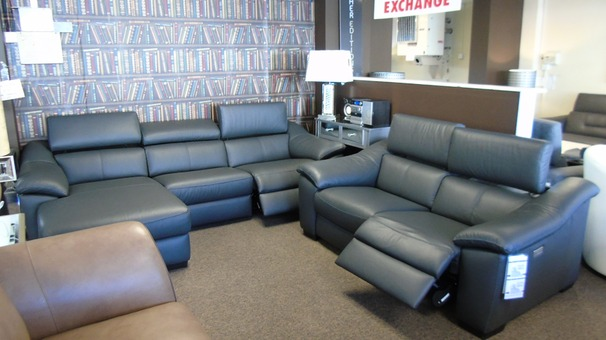 Catania  electric recliner chaise sofa black and double electric recliner 2 seater £4999 (CARDIFF  SUPERSTORE)
