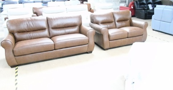 Mira 3 seater and 2 seater vintage tan £1499 (CARDIFF SUPERSTORE)