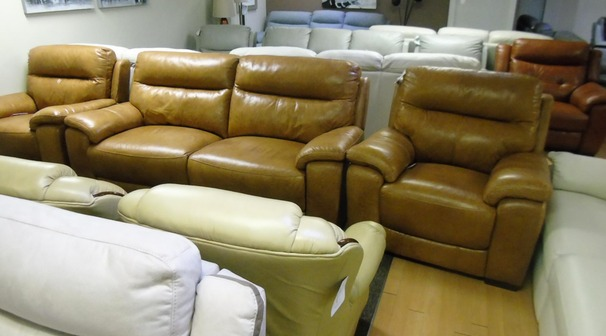 Normandy electric recliner 3 seater and 2 chairs tan £1499 (SWANSEA SUPERSTORE)