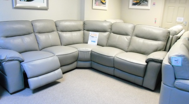 Rochelle electric recliner corner suite grey £2499 (CARDIFF SUPERSTORE)