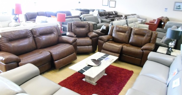 LYDSTEP 3 seater , 2 seater and electric recliner chair mid brown £3499 (NEWPORT STORE)