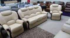 Garda 3 seater and 2 chairs cream £1499 (SWANSEA SUPERSTORE) - Click for more details