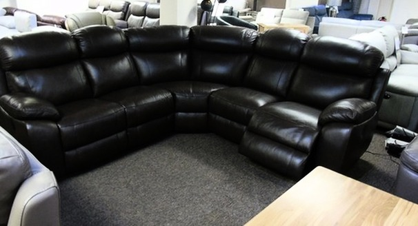 Barcelona double electric recliner corner suite brown £1999 (SWANSEA SUPERSTORE)