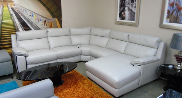 Orleans electric recliner chaise sofa frost £2999 (SWANSEA SUPERSTORE)