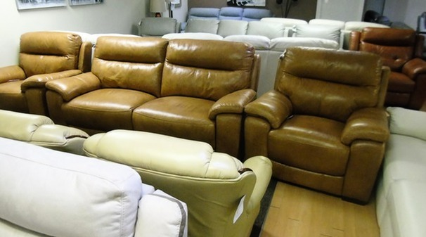 Normandy electric recliner 3 seater and 2 standard chairs tan £1999 (SWANSEA SUPERSTORE)