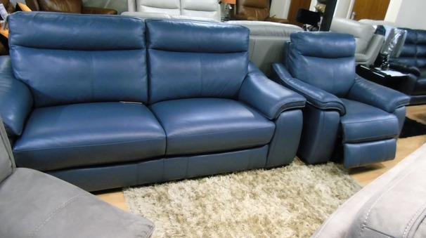 Marseille  3 seater and 1 electric recliner chair £1699 blue (SWANSEA SUPERSTORE)