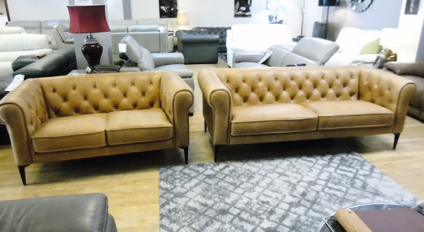 Hampton 3 seater and 2 seater vintage tan £1999 (SWANSEA SUPERSTORE)