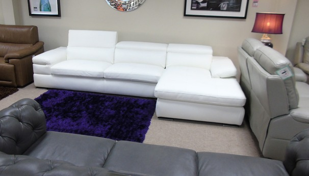 Miro chaise sofa white £2999 (CARDIFF SUPERSTORE)