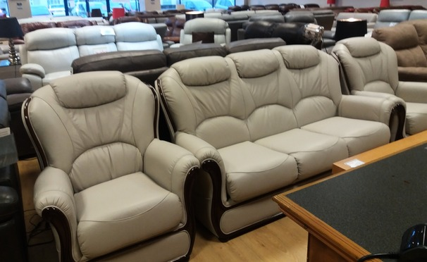 Gemma 3 seater and 2 chairs grey £1799 (NEWPORT STORE)