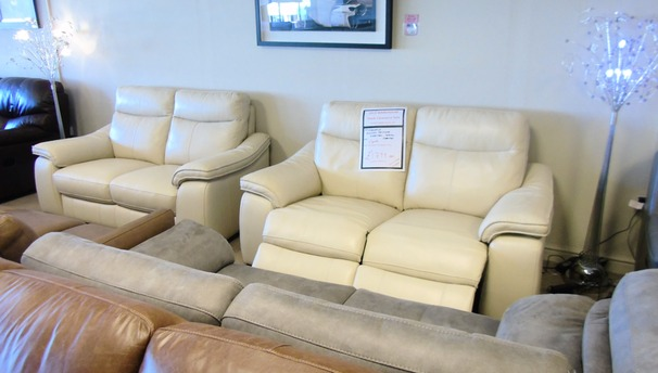 Marseille electric recliner 2 seater and (static) 2 seater bique £1999 (CARDIFF SUPERSTORE)