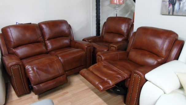 Marlow electric recliner 2 seater and 2 manaual recliner chairs chestnut £1499 (SWANSEA SUPERSTORE)