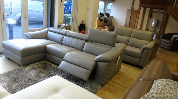 Catania  electric recliner chaise sofa grey £2799 (SWANSEA SUPERSTORE)