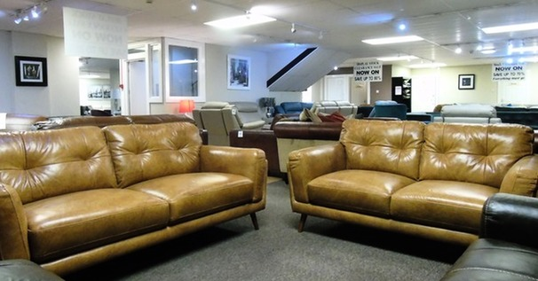 Cadiz 2.5 seater and 2 seater vintage tan £1699 (SWANSEA SUPERSTORE)